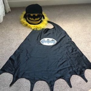 HALLOWEEN 🦇 BATMAN CAPE AND 🎩 HAT🎃🤡☠️